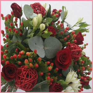Christmas-Red-bouquet-large